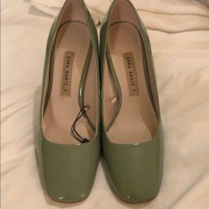 67ba408ef00 Zara green 60s stack heels